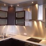 Оригинальные решения для подсветки рабочей зоны на кухне.