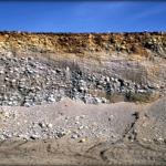 Песчано-галечно-валунные отложения ледников.