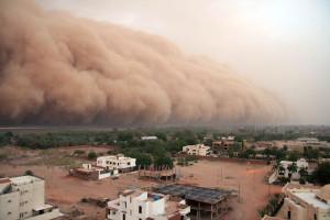 Песчаные бури и наводнения