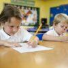 Ребёнок – левша. Возможные трудности и пути их решения.